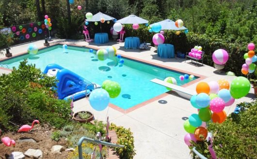 Festa Na piscina vários infláveis