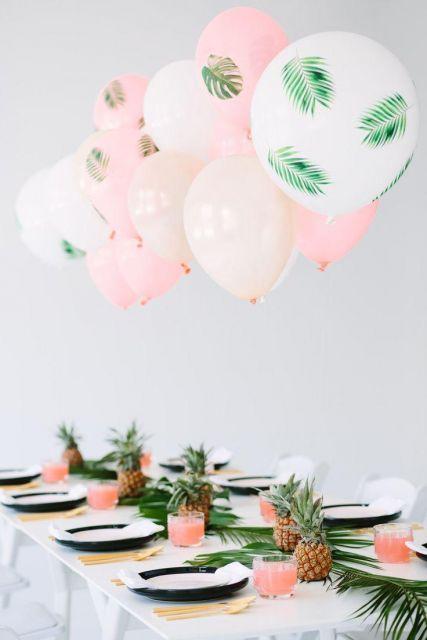 festa havaiana com balões