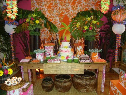 mesa principal festa havaiana