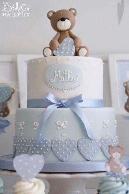 bolo azul com ursinho