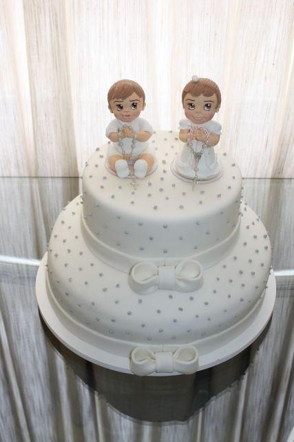 bolo branco e prateado