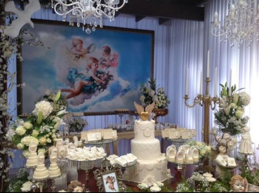 mesa de batismo chique