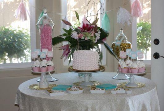 mesa de batismo linda