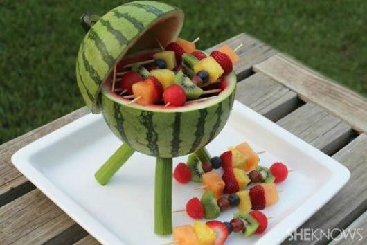 mesa-de-frutas-churrasco