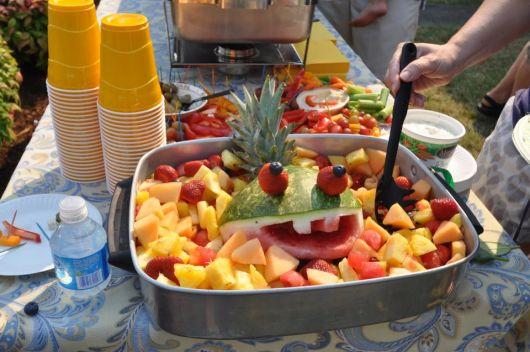 mesa de frutas churrasco simples