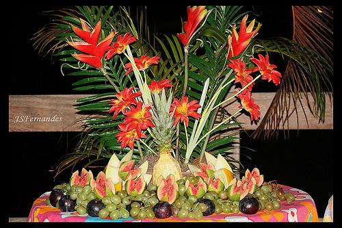 mesa de frutas como é feita para luau