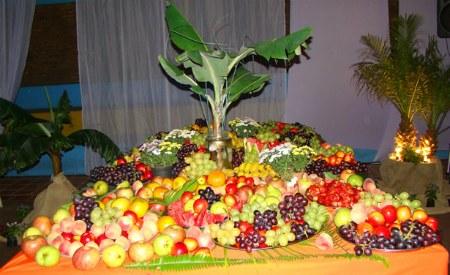 mesa de frutas luau