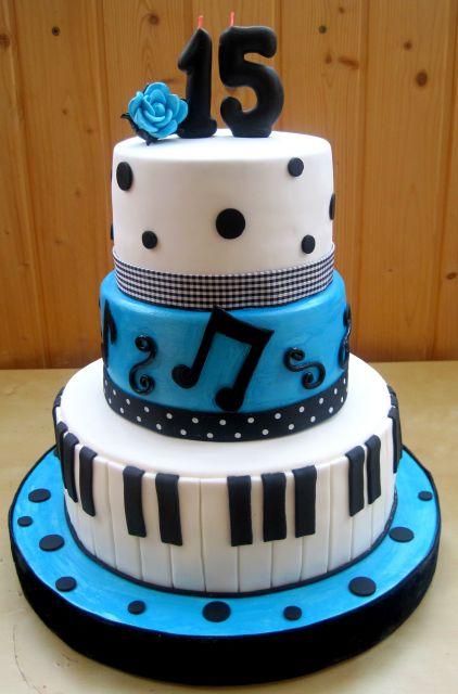 bolo-com-notas-musicais-15-anos