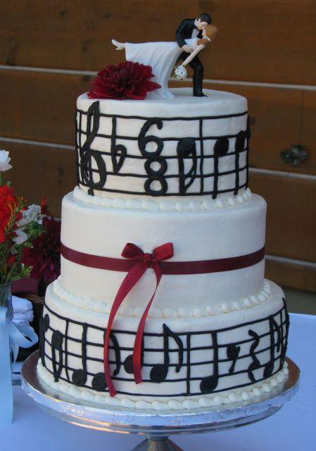 bolo-com-notas-musicais-casamento