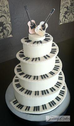 bolo-com-notas-musicais-com-violao-ideias