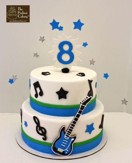bolo-com-notas-musicais-guitarra