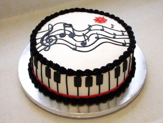 bolo-notas-musicais-pasta