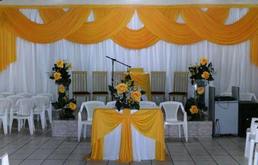 Decoraç u00e3o com TNT para Festas Dicas e + de 70 ideias! -> Decoração De Igreja Evangelica Para Congresso Infantil