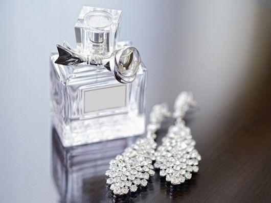 Presente para Bodas de Prata perfumes e joias