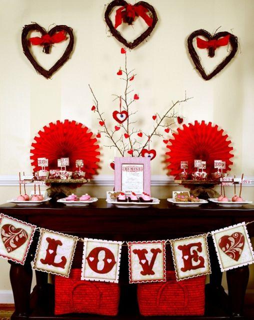 Festa surpresa para namorado decora o presentes e pratos for Decoracion amor y amistad oficina