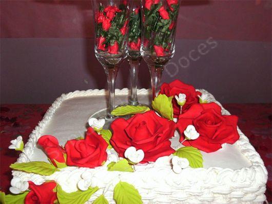 bolo com flores chantilly 1