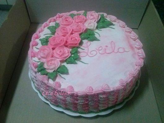 bolo com flores chantilly 6