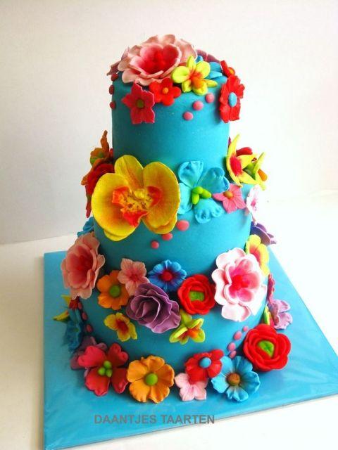 bolo com flores coloridas 1