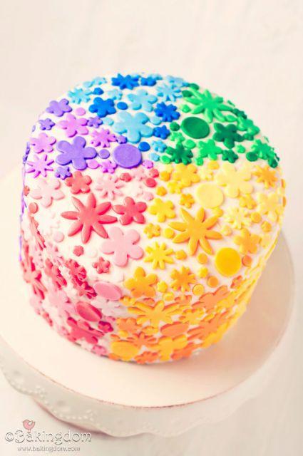 bolo com flores coloridas 2