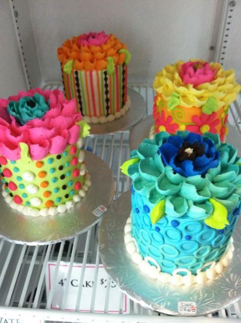 bolo com flores coloridas 6