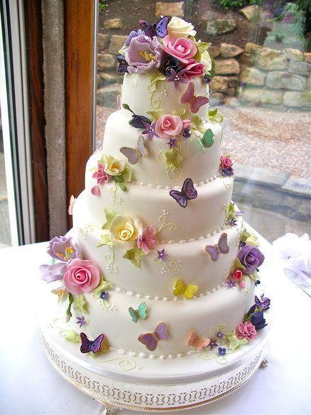 bolo com flores e borboletas 5