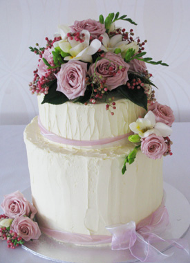 bolo com flores naturais 1