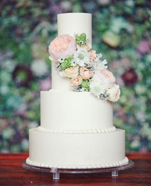bolo com flores naturais 8