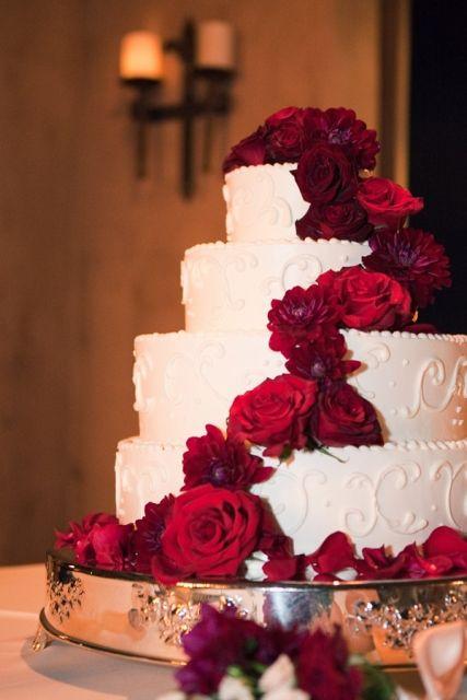 bolo com flores vermelhas 1