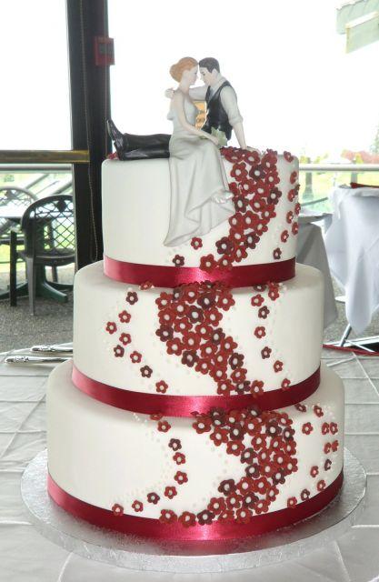 bolo com flores vermelhas 3