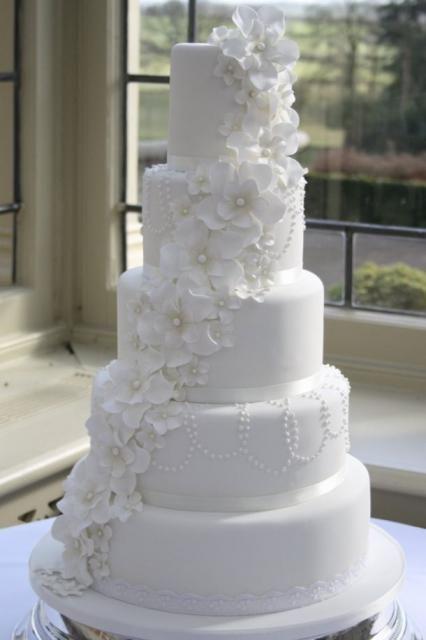 bolo fake com flores 1