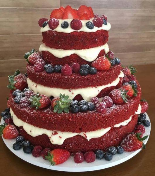 bolo de andares red velvet