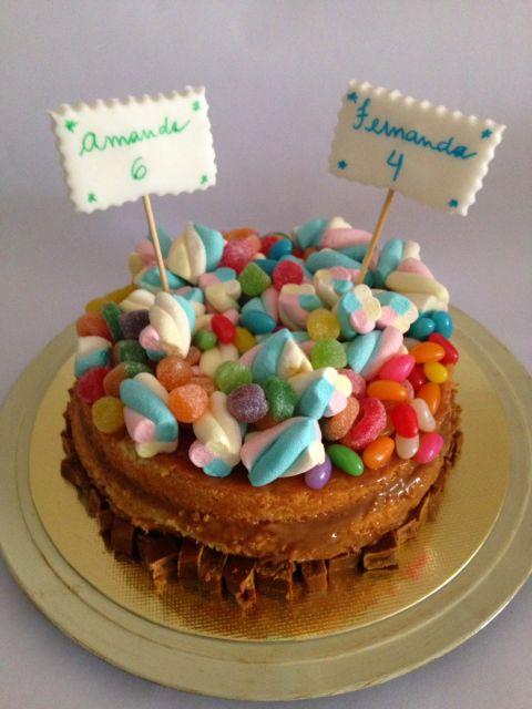 bolo simples com jujubas