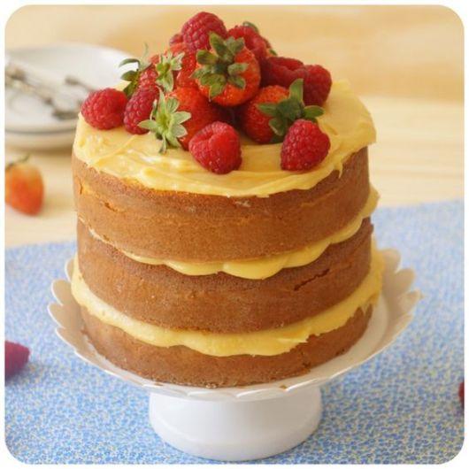 bolo simples morango