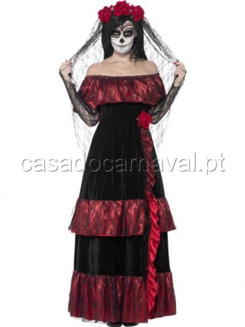 Alguns lugares que locam e ou vendem fantasias tem esse modelito disponível  com vestido e véu, basicamente, ou até com algumas outras pessoas, ... f9598076b7