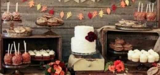 Mesa de doces com decoração de outono