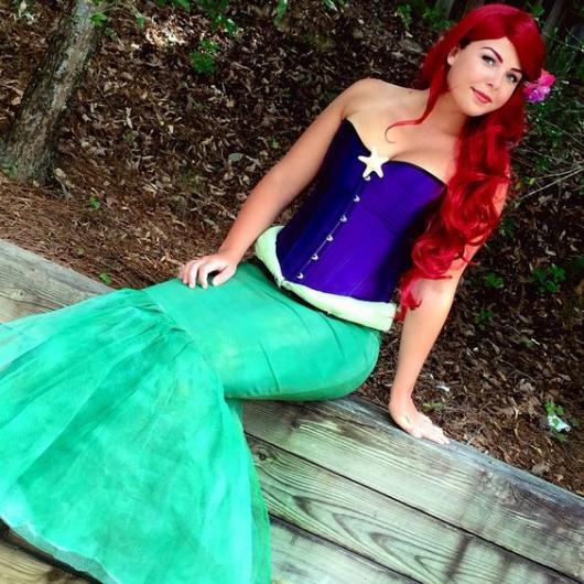 fantasia com saia Ariel