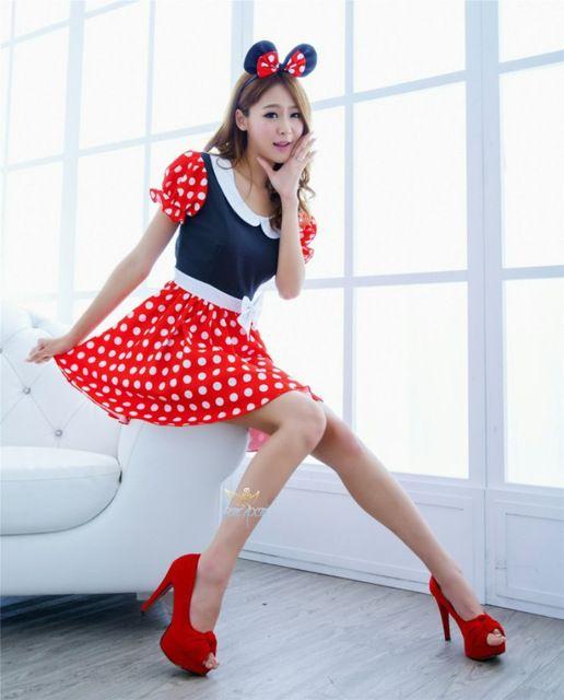 fantasia da Minnie de adulto com sapato alto