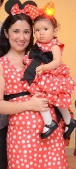 fantasia da Minnie para mãe e filha com vestido vermelho