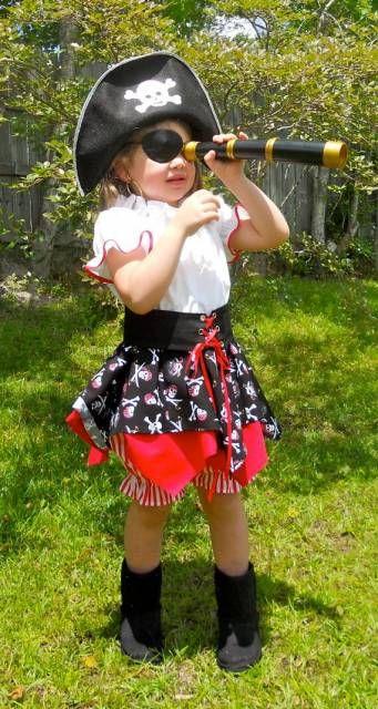 fantasia de pirata de menina com saia e bata branca