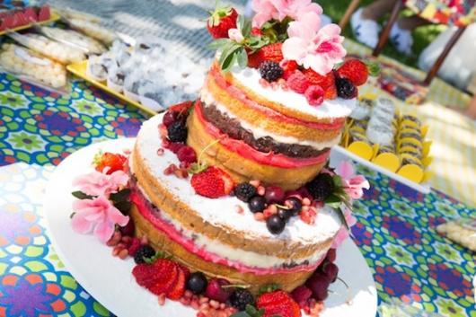 bolo naked cake em festa piquenique
