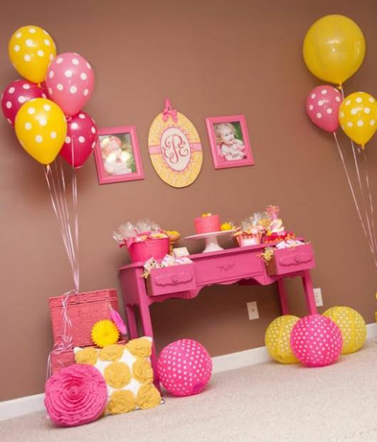 Resultado de imagem para mesas de aniversario infantil simples e linda
