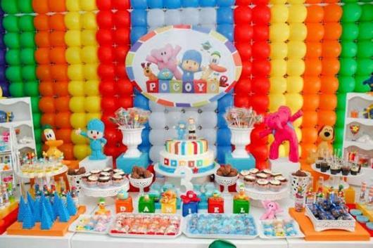 parede de balões colorida