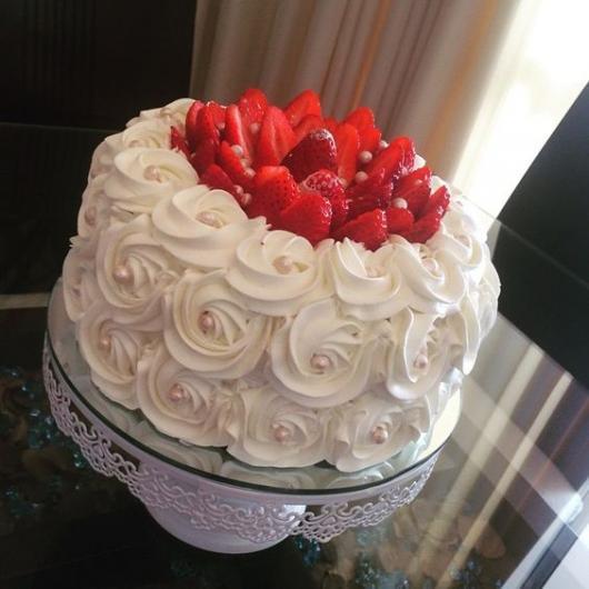 bolo de chantilly branco