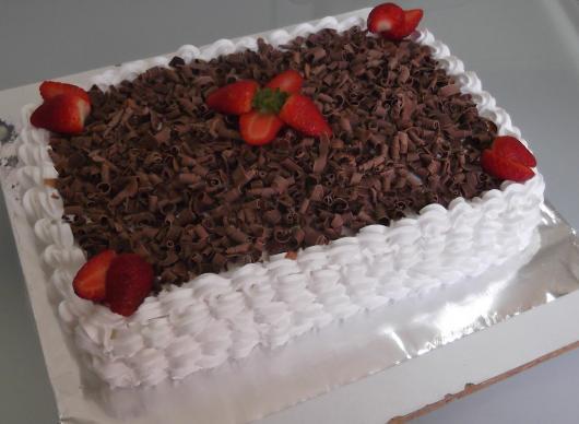 bolo quadrado com chocolate