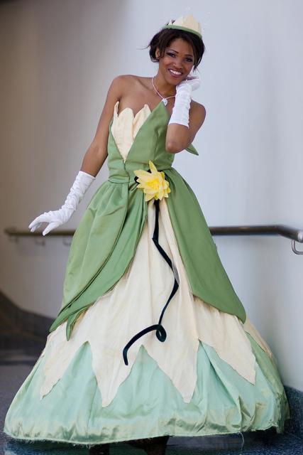 Por baixo do vestido verde de fio dental - 5 10