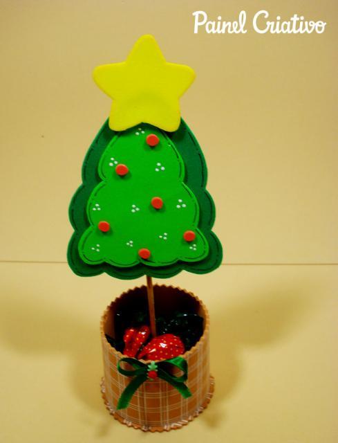 lembrancinhas de Natal de EVA feito com lata