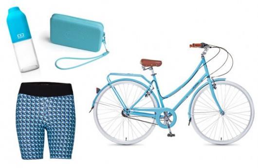 bicicletas e roupas esportivas