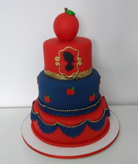 bolo azul e vermelho 3 andares