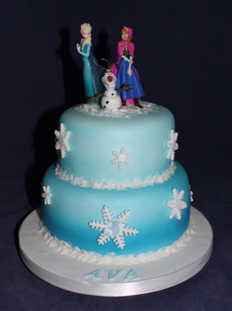 bolo decorado bonecos