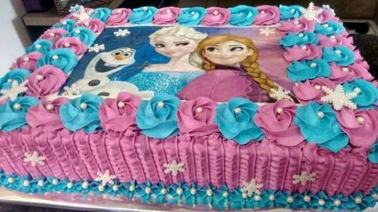 bolo azul e roxo retangular